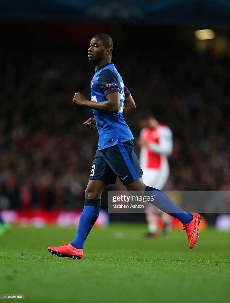 http://media.gettyimages.com/photos/almamy-toure-of-as-monaco-picture-id525936498