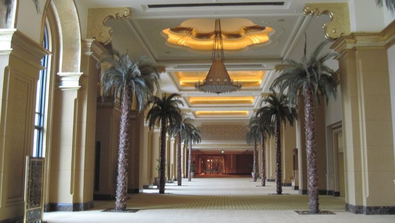 Холл Emirates Palace. Фото &quout;СЭ&quout;